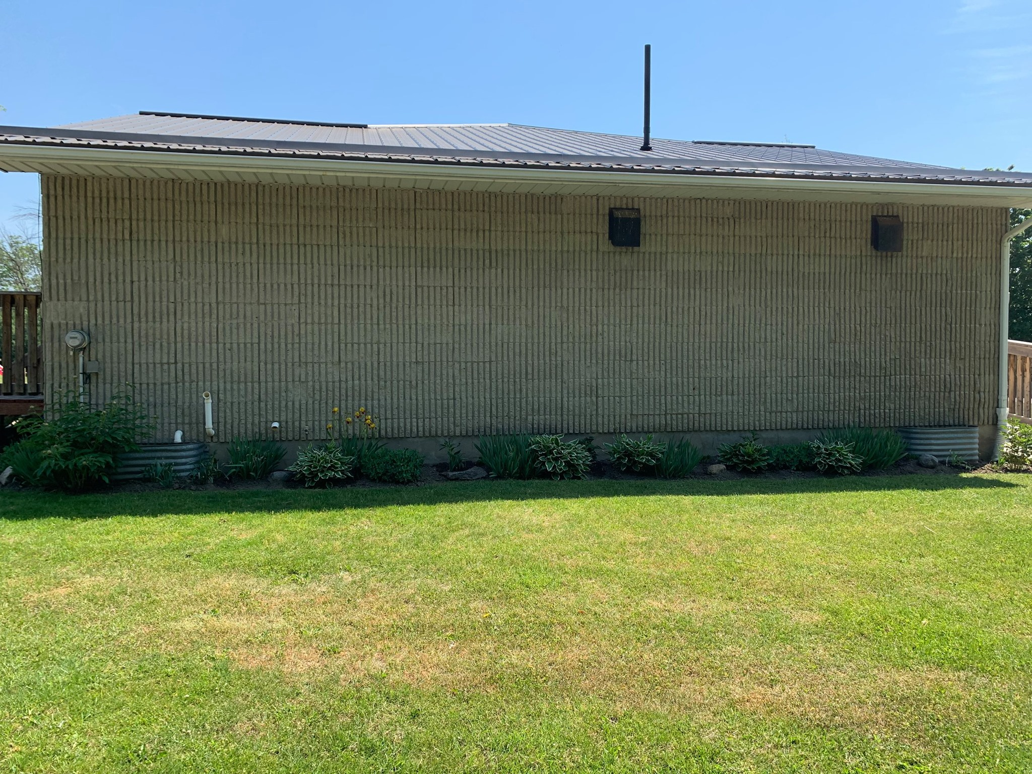 flower beds at the back of the maitland recreation centre