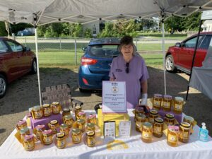 Farmer's Market Booth: Bee Too