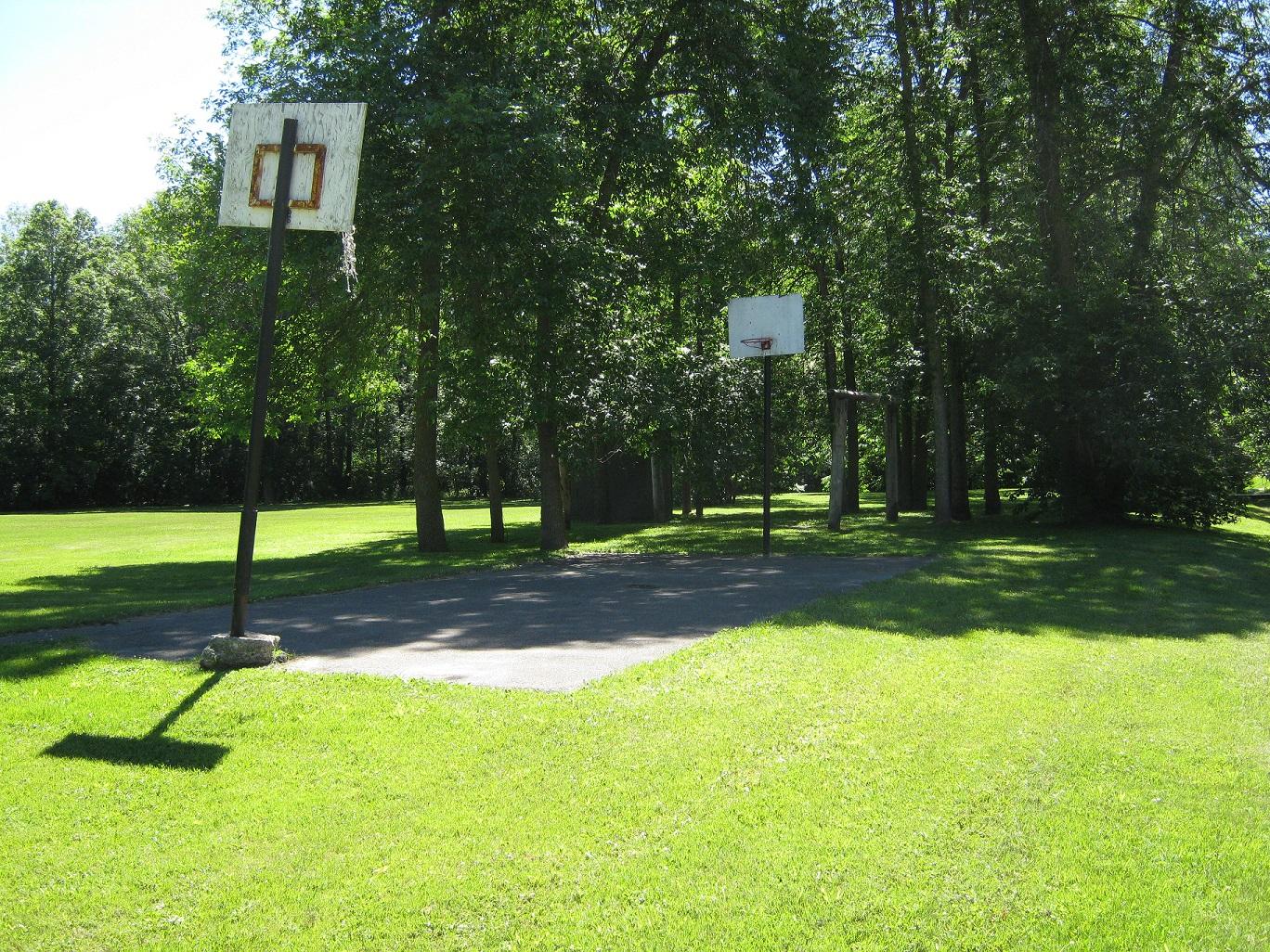 basketball court at cedar park