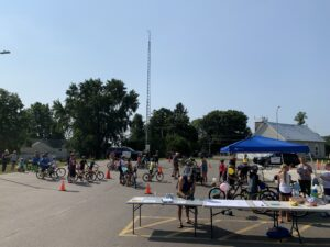 kids, parents, OPP officers and staff at the safe cycling event